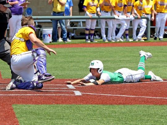 Godley's Brendan Davis tags Iowa Park's Kaleb Gafford