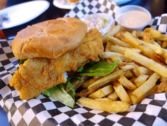 Photos where to get the best crispy fish sandwiches in for Who has the best fish sandwich
