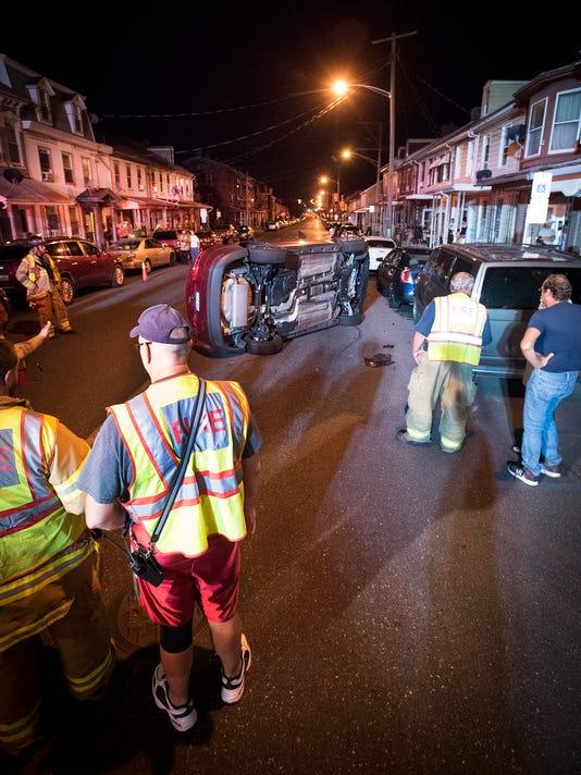ldn-mkd-073117-accident 10th Street-