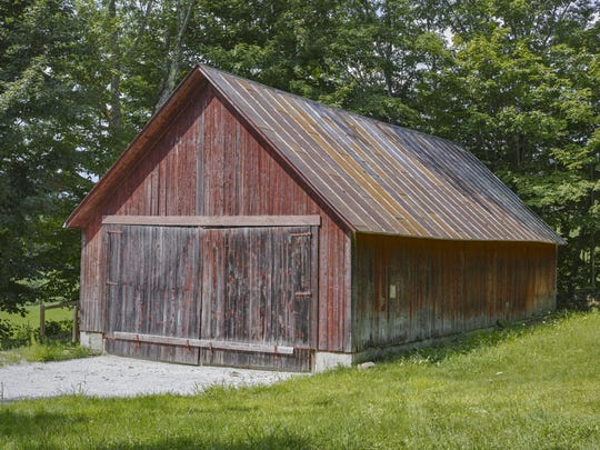 Outside view of the Peacham Roller Barn.