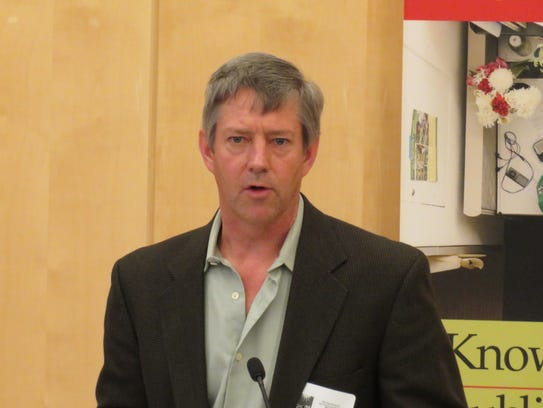 Cornell plant breeding researcher Larry Smart speaks