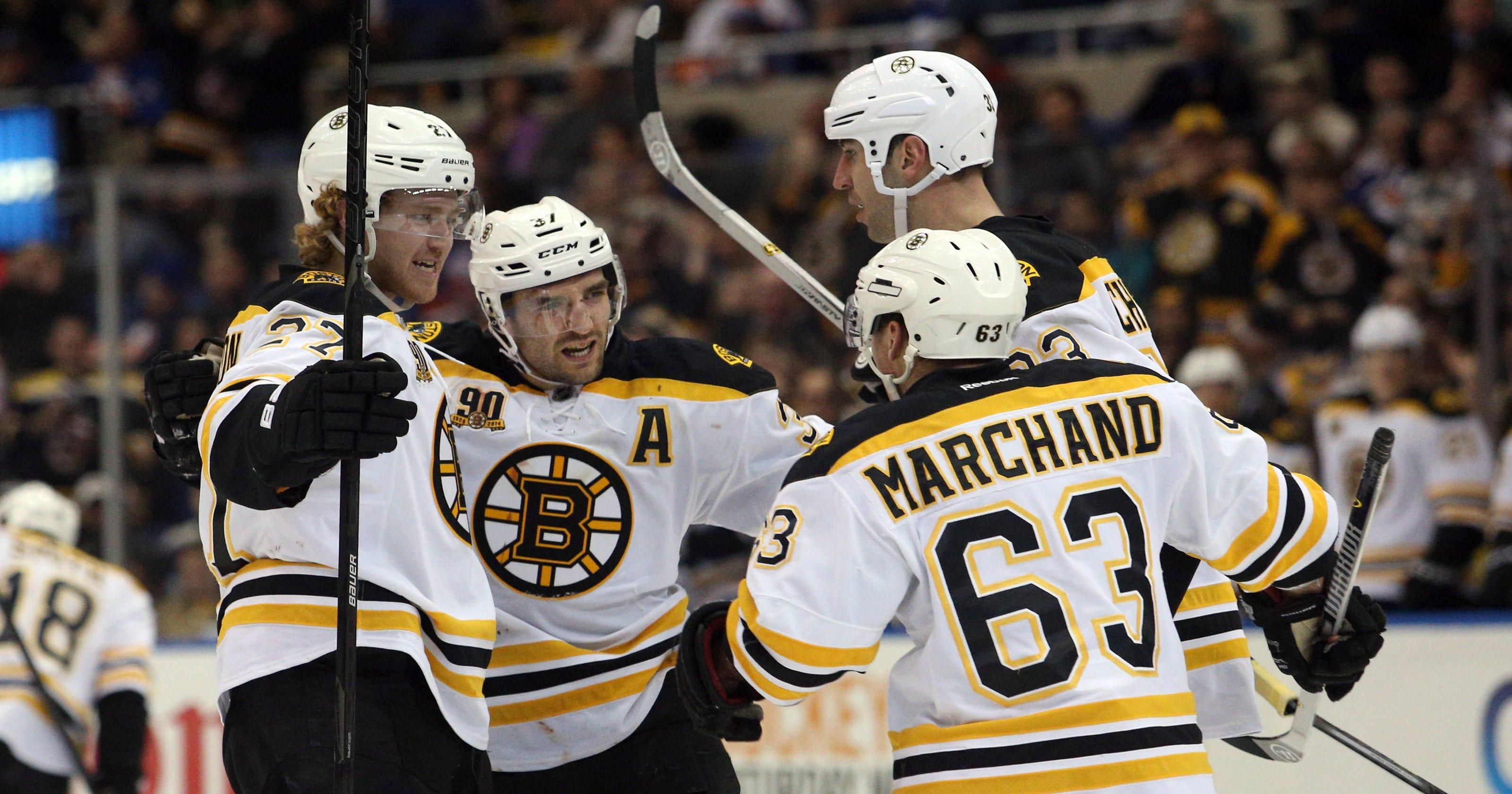 25ec30ef1 Bruins blast Islanders to avoid series sweep
