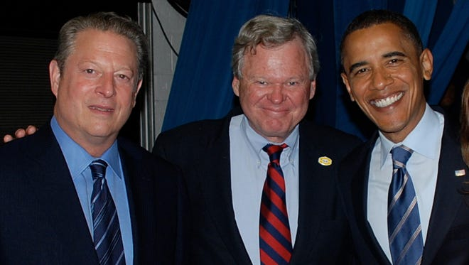 Roy Neel, center, poses with former Vice President Al Gore and President Barack Obama. Neel served as chief of staff for Gore in the White House.