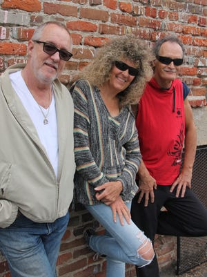 Teresa Russel & Cocobilli will play a CD release party at the Channel Islands Yacht Club.