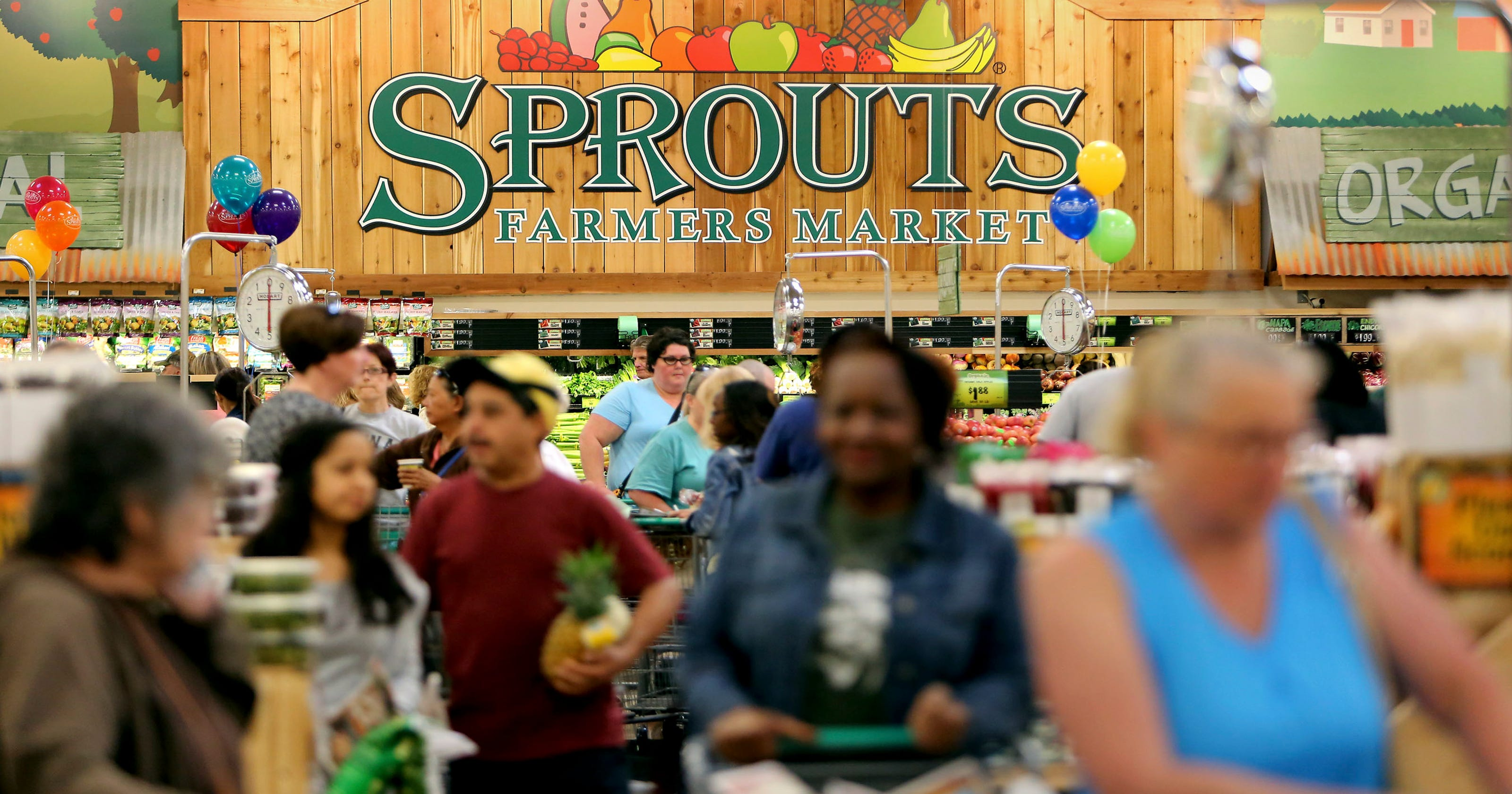 Memphis woman sues Sprouts market, citing racial