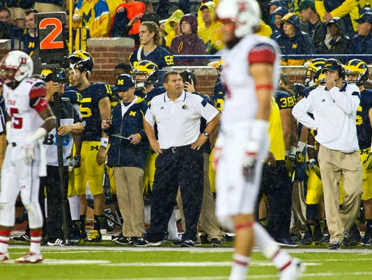 MNCO 0926 Ex-Michigan QB rips Wolverines' coach.jpg