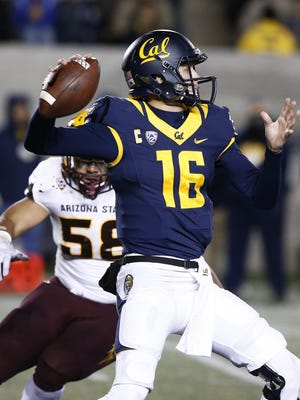 Cal quarterback Jared Goff throws a pass against Arizona State in the first half on Nov. 28, 2015 in Berkeley, Calif.