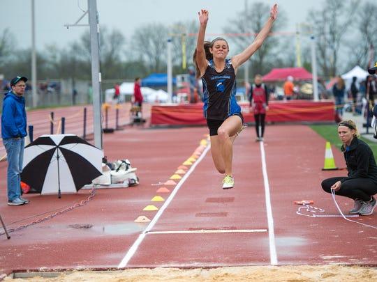 McConnellsburg's McKenzie Gelvin competes in the girls