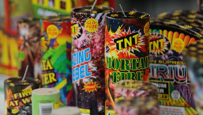 An explosion ripped through Mexico's best-known fireworks market on the northern outskirts of the capital Tuesday.