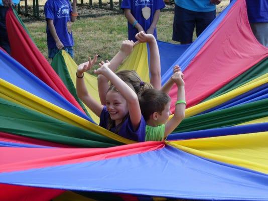 -Camp Parachute.jpg_20140701.jpg