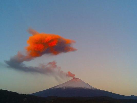 Mexico Volcano rumbles
