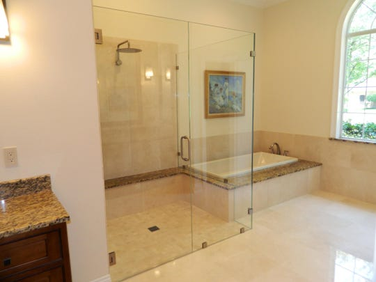 transitional_bathroom
