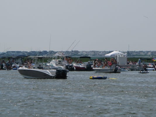 -Barnegat Bay Ship Bottom boats 014.jpg_20100719.jpg