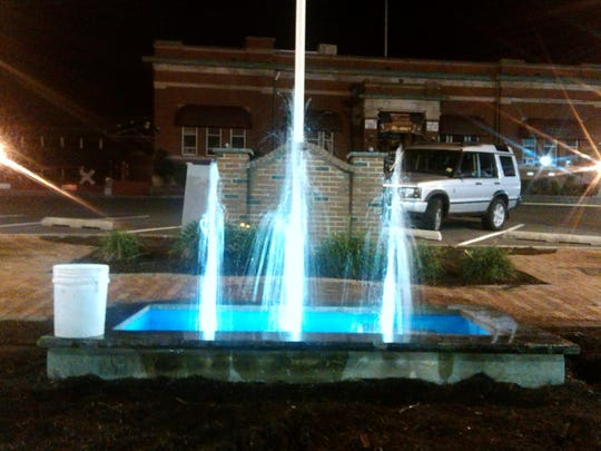 Thanks to community volunteers and donations, the fountain in Van Horne Plaza in Bound Brook began running again on the night of Sept. 17. The work was begun as part of a Make A Difference Day project being sponsored by the Courier News.