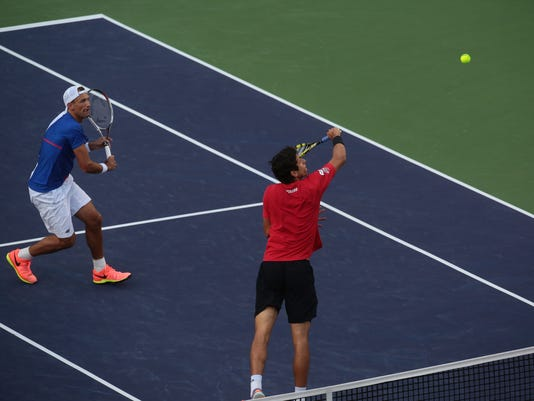 636253824772903043-Men-s-doubles-semifinals002.JPG