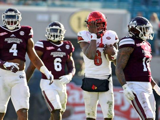 Dec 30, 2017; Jacksonville, FL, USA; Louisville Cardinals