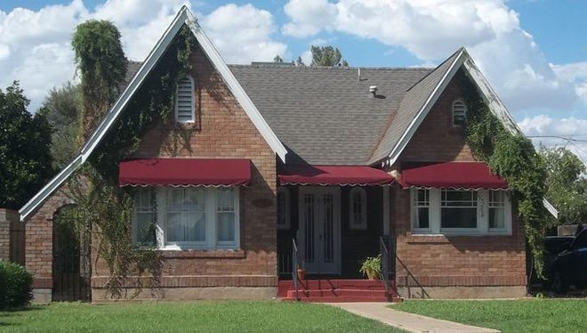 Homes in the Del Norte Place subdivision were built between 1927 and 1945. This home on Vernon Avenue was built in 1936.