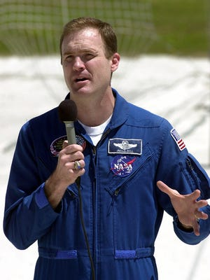 Space shuttle Atlantis mission commander James Halsell Jr. speaks to reporters at the Kennedy Space Center in Cape Canaveral, Fla, about a problem with the Atlantis.