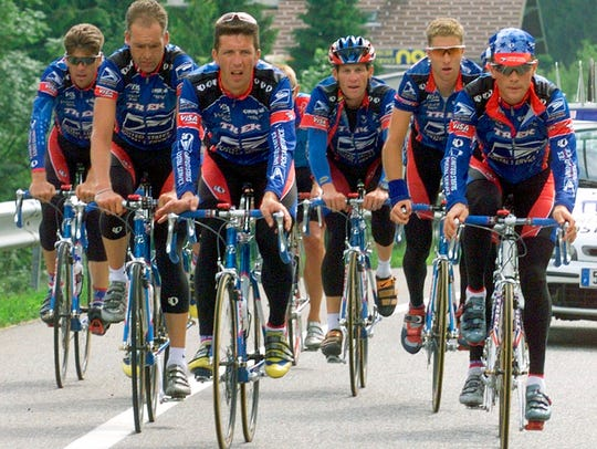 Lance Armstrong leads the U.S. Post Service team during