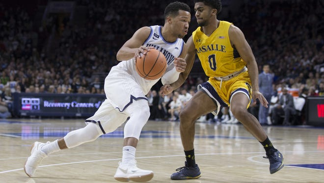 Villanova guard Jalen Brunson drives to the basket against La Salle.