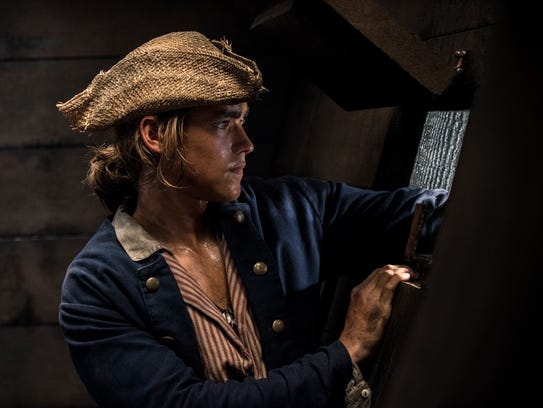 Henry Turner (Brenton Thwaites) is a young buccaneer