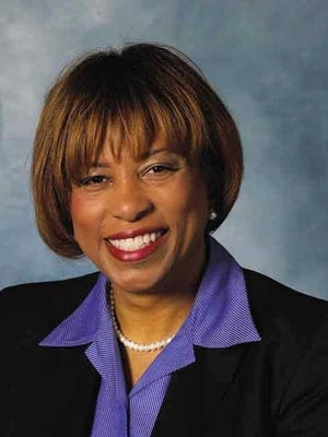 U.S. Rep. Brenda Lawrence wants a Congressional committee to look into the Flint water crisis.