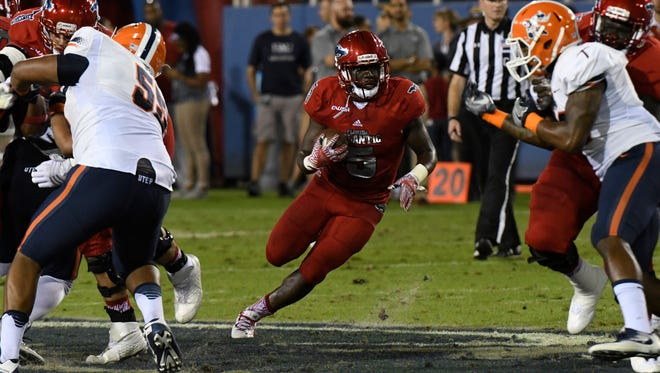Florida Atlantic's Devin Singletary has more than 1,000 yards this season in just eight games. He had 244 yards and four touchdowns in last weekend's victory against Western Kentucky.