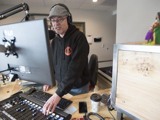 FTC310-KRFC Radio