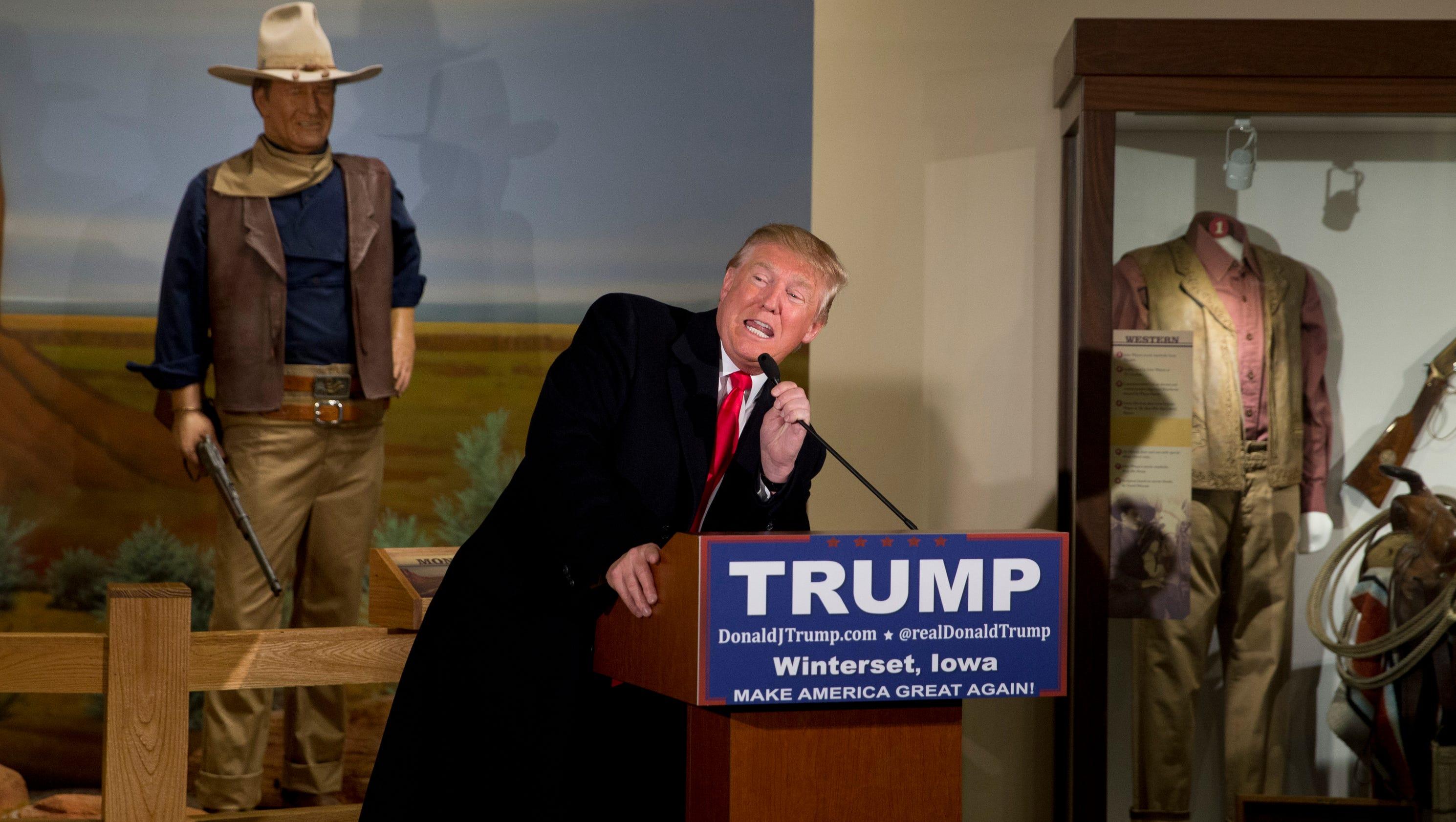 Trump draws Iowa crowds with un-Iowa style