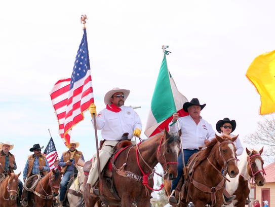 1. The Cabalgata Cavalry brigade enters Columbus flying