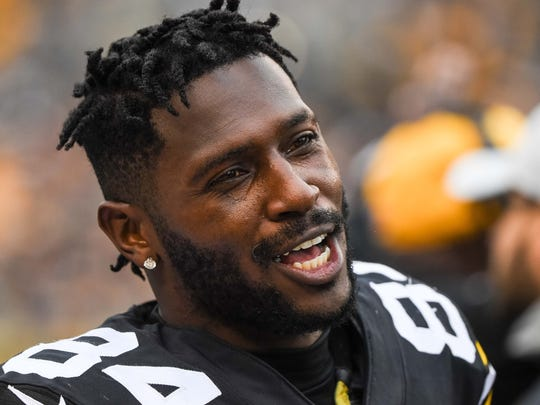 Oct 28, 2018; Pittsburgh, PA, USA; Pittsburgh Steelers wide receiver Antonio Brown (84) looks on during the game between the Pittsburgh Steelers and the Cleveland Browns at Heinz Field. Mandatory Credit: Jeffrey Becker-USA TODAY Sports
