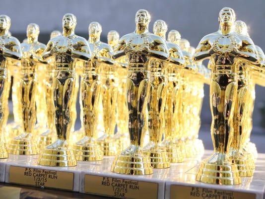 Oscar statuettes for Hot Picks 1