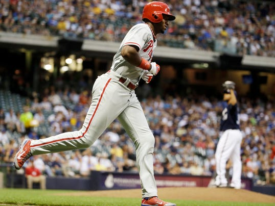 Phillies Brewers Baseball (2)