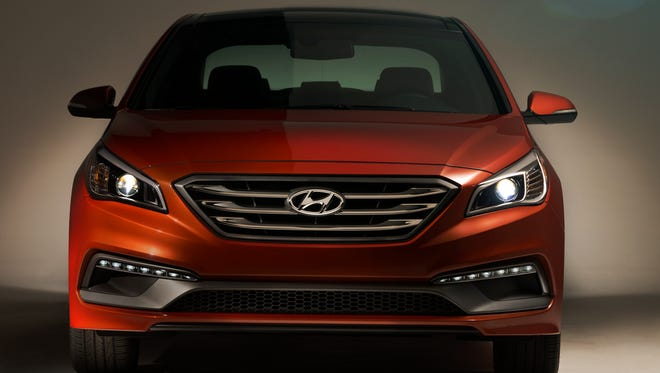 2015 Hyundai Sonata has a grille that some will compare to Ford Fusion's.