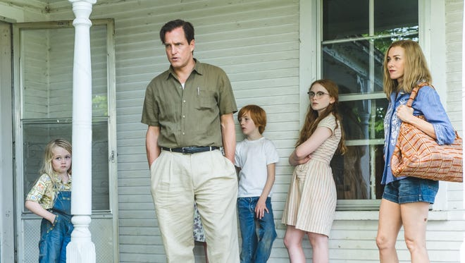 """From left: Eden Grace Redfield, Woody Harrelson, Charlie Shotwell,Sadie Sink and Naomi Watts in """"The Glass Castle."""""""
