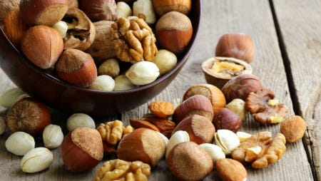 Mixed nuts (almonds, hazelnuts, walnuts)