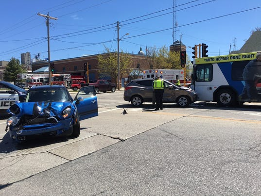 636297563482245221-Crash---S.-10th-and-Franklin-Streets-5-6-17.JPG