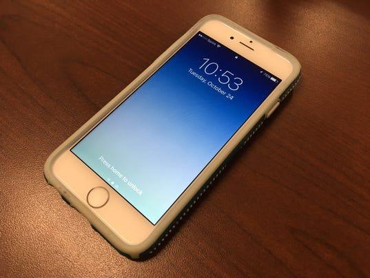 636444396481089827-cellphone.jpg