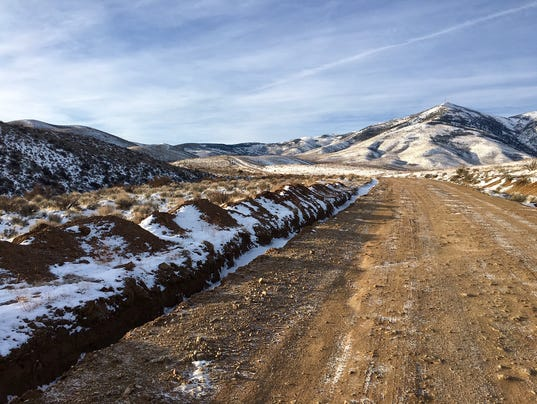 Washoe-County-Sheriffs-deputies-conduct-death-investigation-on-Peavine-Mountain.jpg