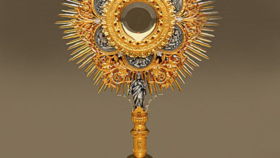 Image of a Lamb of God Monstrance, similar to one stolen