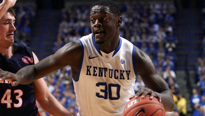 Kentucky Wildcats forward Julius Randle dribbles the ball against the Boise State Broncos in the first half at Rupp Arena.