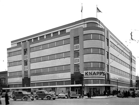 Knapp's department store, 1937.