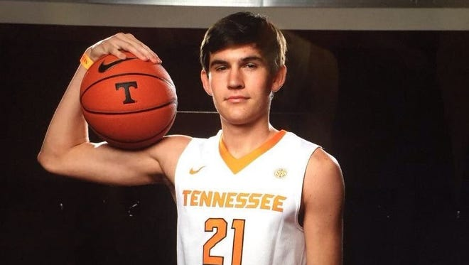 Christ School senior John Fulkerson has signed to play college basketball for Tennessee.