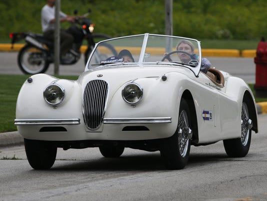 636439292446218151-she-s-Elkhart-Lake-Race-Car-Parade-Concours-d-Elegance0721-gck-27.JPG