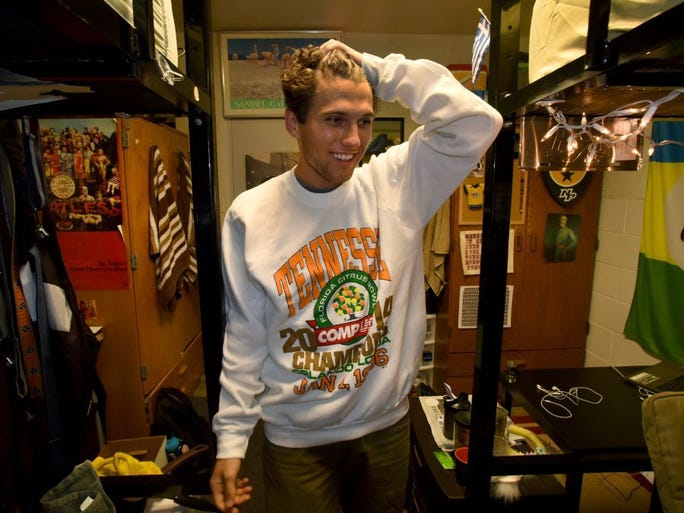 Photos ut students run vintage tennessee clothing for Michaels craft store utah