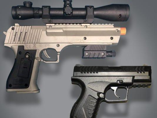 635917773502852814-guns.jpg