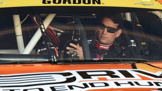 Jeff Gordon in his car last fall at the Dover International Speedway.