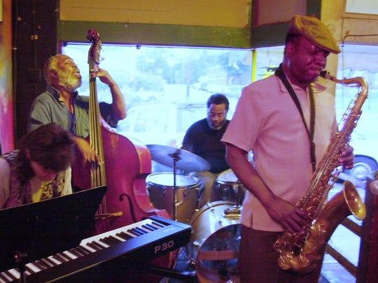 Sharon Simentta, Cleveland Eaton, Steve Ellington and Sam Williams. Sam Williams and Friends Jazz band at 1048 Jazz and Blues Club.Lloyd Gallman/staff