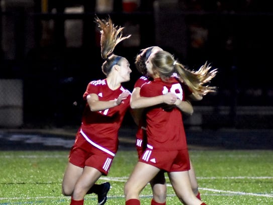 Indian Hill celebrates a 3-0 lead over Big Walnut in