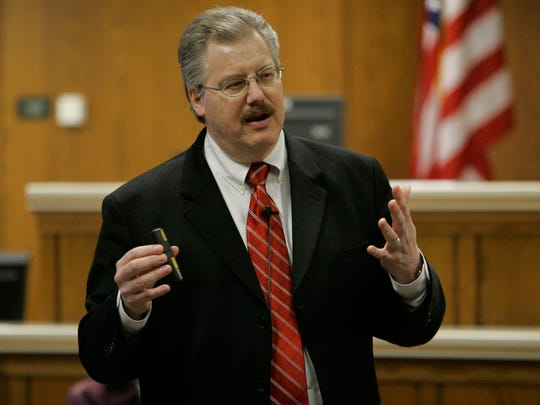Calumet County Dist. Atty. Ken Kratz gives his closing arguments in the Steven Avery trial on March 14, 2007 at the Calumet County Courthouse in Chilton.